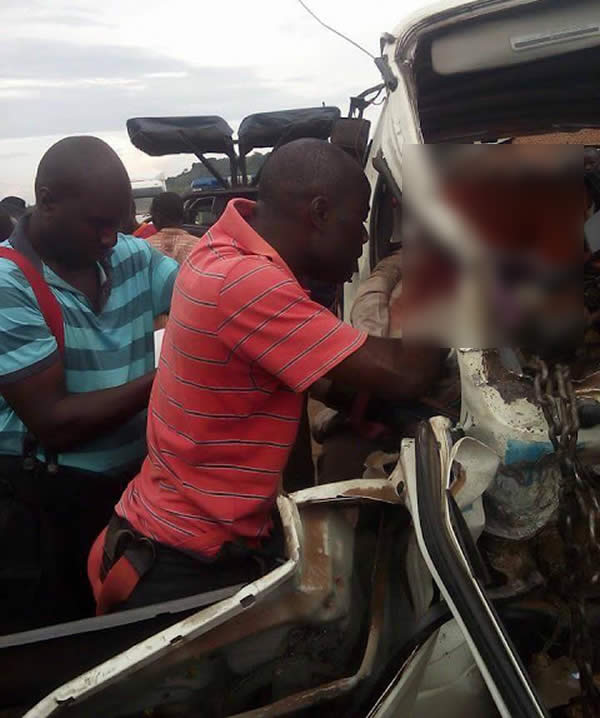 PHOTOS: Accident scene in Ondo