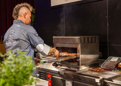800 Grad Beefgrill - Zubereitung von butterzarten Filet Steaks - Blockhouse