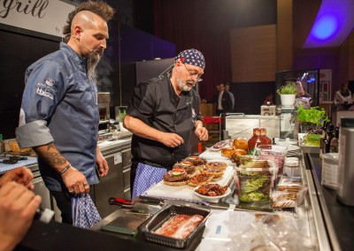 Best Burger in Town grillt mit Ralf Jakumeit bei der Fuess Gastro Messe