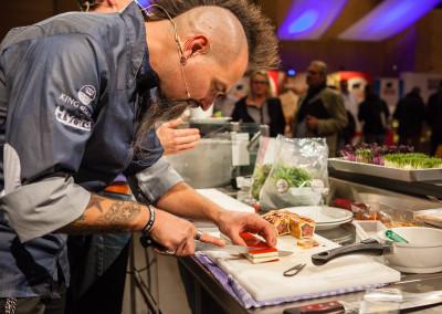 Rocking Chef - Ralf Jakumeit bei Pastetenzubereitung