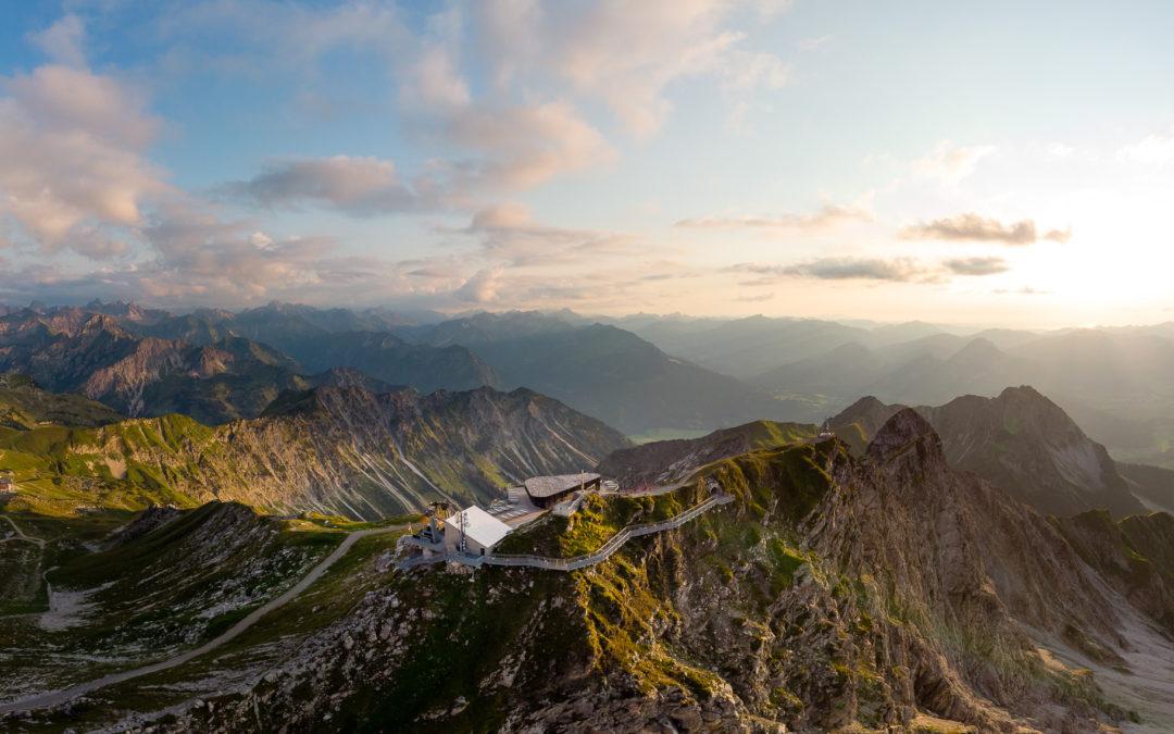 Das Nebelhorn Gipfelrestaurant und der neu angelegte Nordwandsteig im Sommer