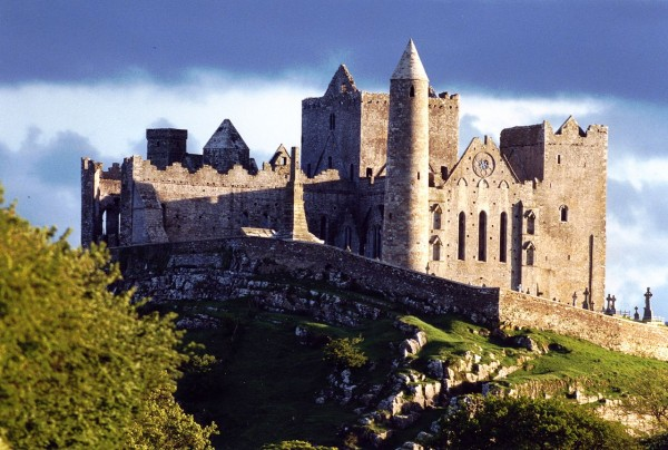 KILKENNY and CASHEL Day Tour from CORK