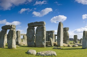 Spring Has Sprung!  Join Paddywagon on a Fun Day Tour from London!