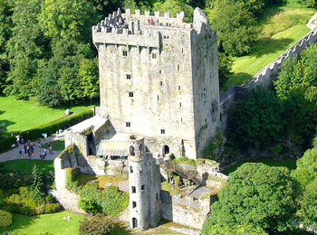 BLARNEY/COBH Day Tour From CORK