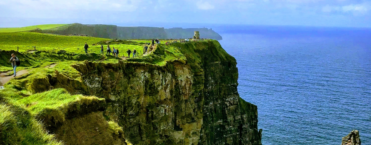 (Gourmet) Cliffs of Moher & Galway from Dublin.