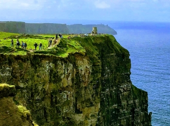(Gourmet) Cliffs of Moher & Galway from Dublin