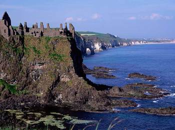 Giant's Causeway (& Dunluce Castle) Tour from Belfast
