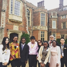 Did you know the #QueensYoungLeaders Award winners receive a unique package of training, mentoring and networking, including an online training course led by the University of Cambridge @leadingchangeuc as well as a one-week residential programme in the UK?  If you're aged 18 to 29, from a Commonwealth country and making lasting change in your community, visit queensyoungleaders.com to apply.
