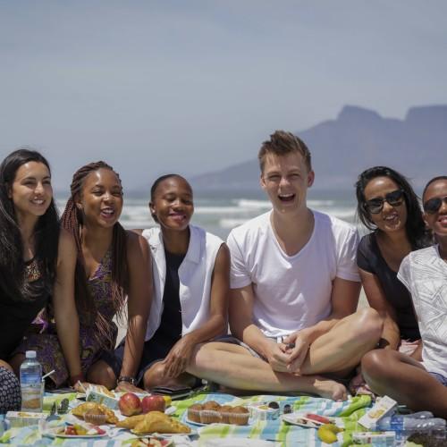 Vlogger Caspar Lee meets the Queen's Young Leaders