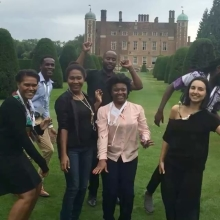 It's fair to say the #QueensYoungLeaders are pretty happy to be in Cambridge! @leadingchangeuc #leadership #youth