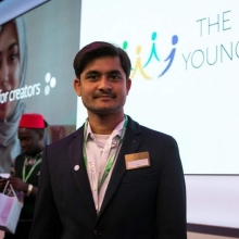 2018 #QueensYoungLeaders Award winner Aditya is developing mobile health solutions to help reduce maternal and child mortality in areas with limited health resources. He is the co-creator of CareMother, a mobile and online platform that connects health workers to gynaecologists and empowers them to carry out regular doorstep antenatal check-ups to pregnant women in any setting.⁣ ⁣ The app enables women to monitor their pregnancy, health workers to early identify any potential or emerging high-risk complications and gynaecologists to schedule timely interventions or follow ups. Aditya and his team have worked with over 15 organisations and provided affordable care to more than 30,000 pregnant women in over 800 villages in India, Bangladesh and Kenya.⁣ ⁣ #WorldHealthDay #HealthForAll #QYLLegacy