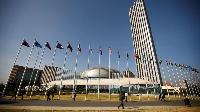 Selon le média Le Monde Afrique, la Chine aurait piraté les ordinateurs de l'Union Africaine dans son siège à Addis-Abeba en Ethiopie. Malheureusement, c'est une information à prendre avec une extrême précaution vu la perte d'influence de la France en Afrique.