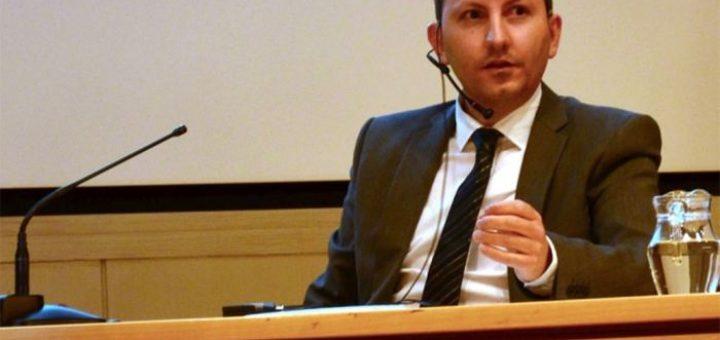 La Suède vient d'offrir la citoyenneté àAhmadreza Djalali, un professeur de médecine des catastrophes, qui est accusé par l'Iran d'être un espion du Mossad et qu'il a aidé Israel à assassiner plusieurs scientifiques en charge du programme nucléaire. Mais c'est une accusation qui est farfelue sur de nombreux points.