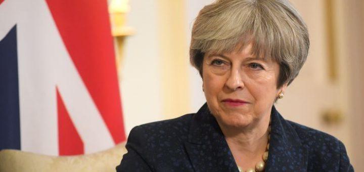 Même si de nombreux membres l'OTAN considèrent la Russie comme l'instigatrice sur l'attaque par un agent neurotoxique contreSergueï Skripa, l'Angleterre a déclaré qu'elle n'invoquera pas l'Article 5 de l'OTAN qui équivaut ) une déclaration de guerre.