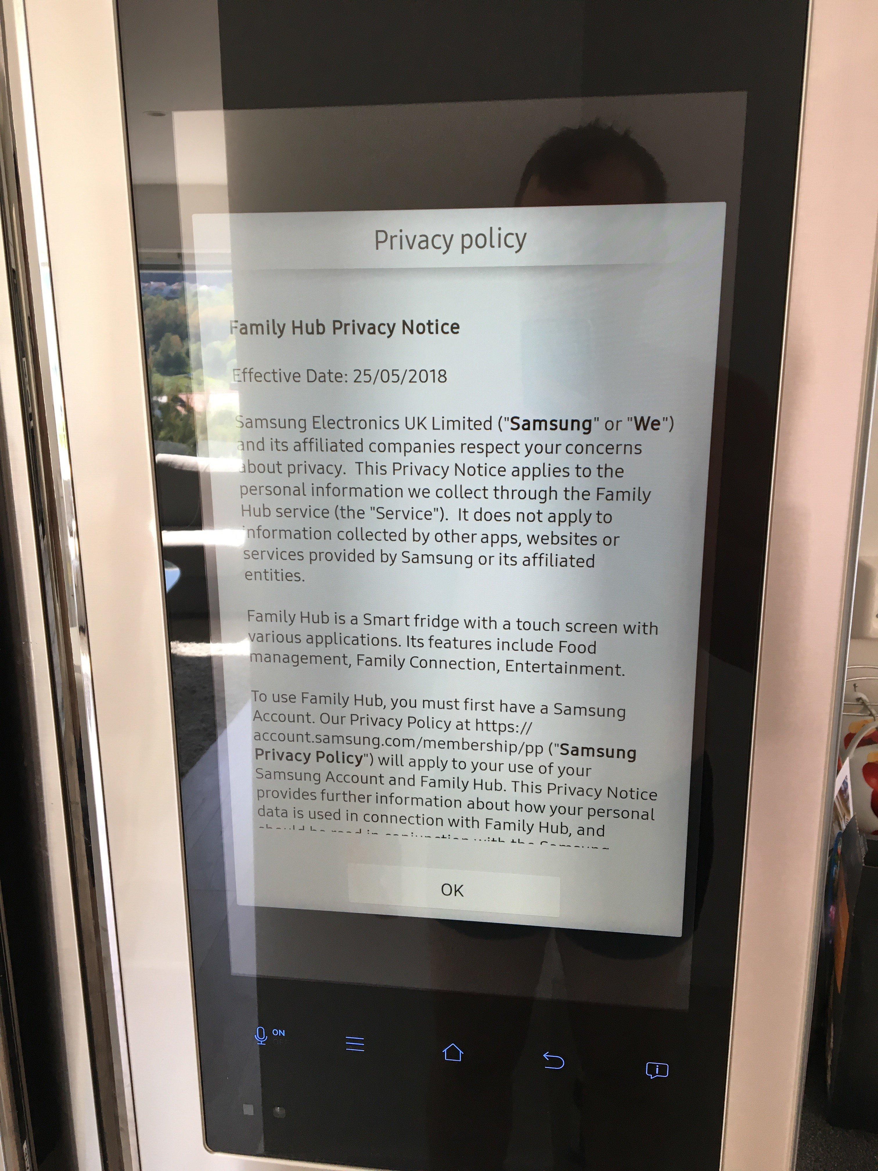 Un frigo qui affiche le consentement du GDPR
