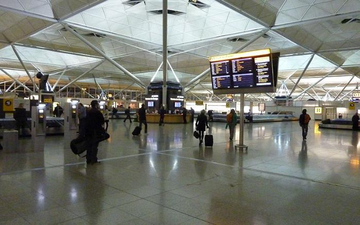 British holidaymakers warned of long airport delays