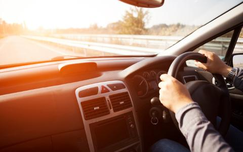 Drivers lax attitudes to phone use revealed