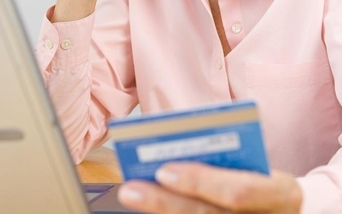 Minimum payments on credit card bills are not a good idea