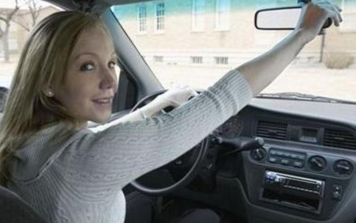 Women lose out on driver training at work study shows