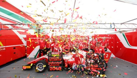 Frederik Vesti og Prema fejrer mesterskabet. Foto: Vesti Motorsport