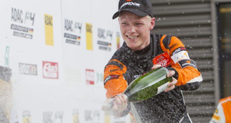 Thomas Krebs ser frem til en 2016-sæson med Reiter Young Stars i den europæiske GT4-serie. Foto: Thomas Krebs