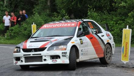 Tim Svanholt og Carina Møller er det førende hold i 4WD-divisionen forud for rallyet i Vejle.