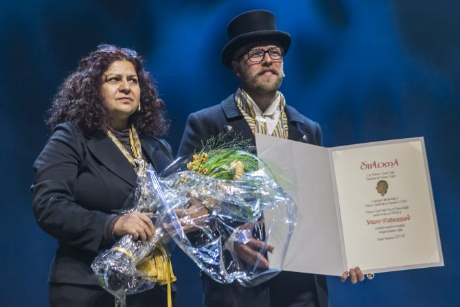 Yanar Mohammed receiving the 2016 Rafto Prize in Bergen, 20th November 2016. Photo: Lind&Lunde/RaftoFoundation