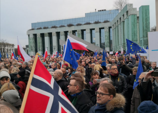 #1000robesmarch til støtte for uavhengige domstoler i Polen