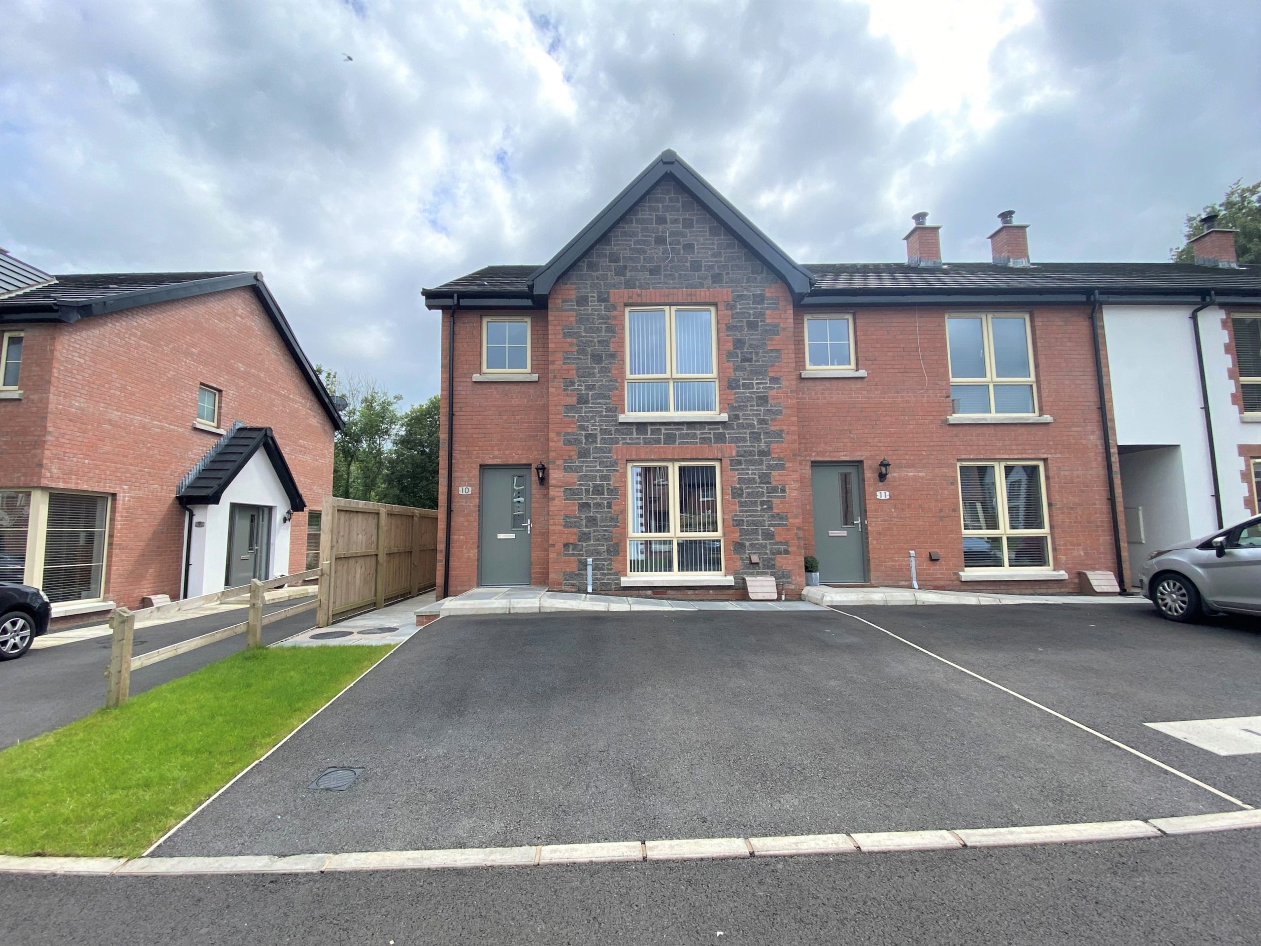 Image of 10 Haughtons Hall, Cullybackey, Ballymena, Co Antrim, BT42 1FT