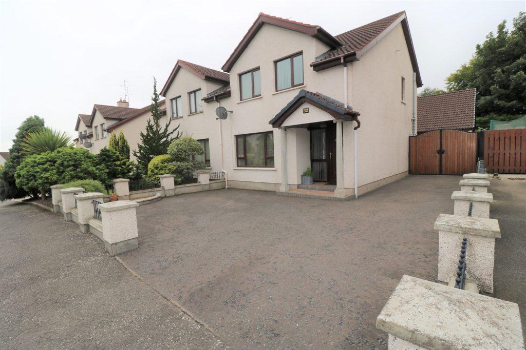 Image of 32 Mansefield Heights, Portglenone, Ballymena, BT44 8JR
