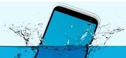 Consejos cuando un movil se te cae al agua y moviles resistentes al agua