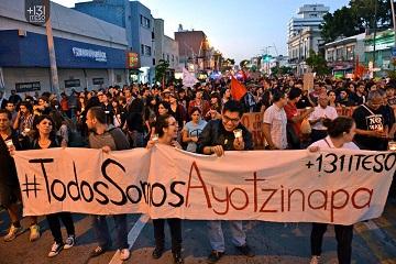 Marcha por desaparecidos de Ayotzinapa