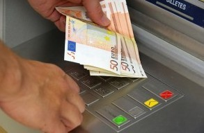 Comisiones por disposici%c3%b3n de efectivo foro