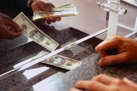 C mo se puede sacar dinero o hacer ingresos en un banco for Cuanto dinero se puede sacar del cajero