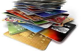 ¿Qué tipos de comisiones tienen asociadas las tarjetas?