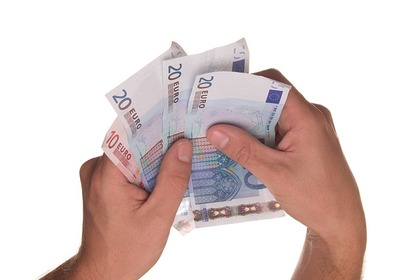 Sacar o ingresar dinero en efectivo a partir de que cantidad ha de avisar el banco a hacienda foro