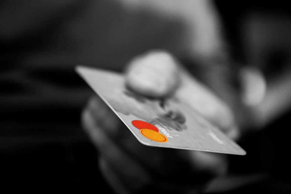 Cómo usar una tarjeta de crédito sin pagar intereses