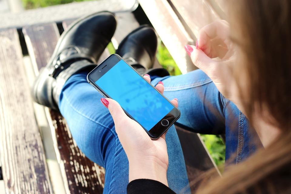 Comparativa mejores tarifas móviles junio 2016 ¿Cuál es la tarifa móvil para hablar y navegar más barata?