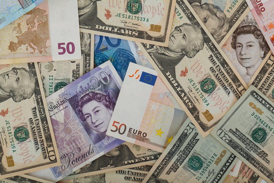 ¿En qué hay que fijarse al contratar un depósito en el extranjero?