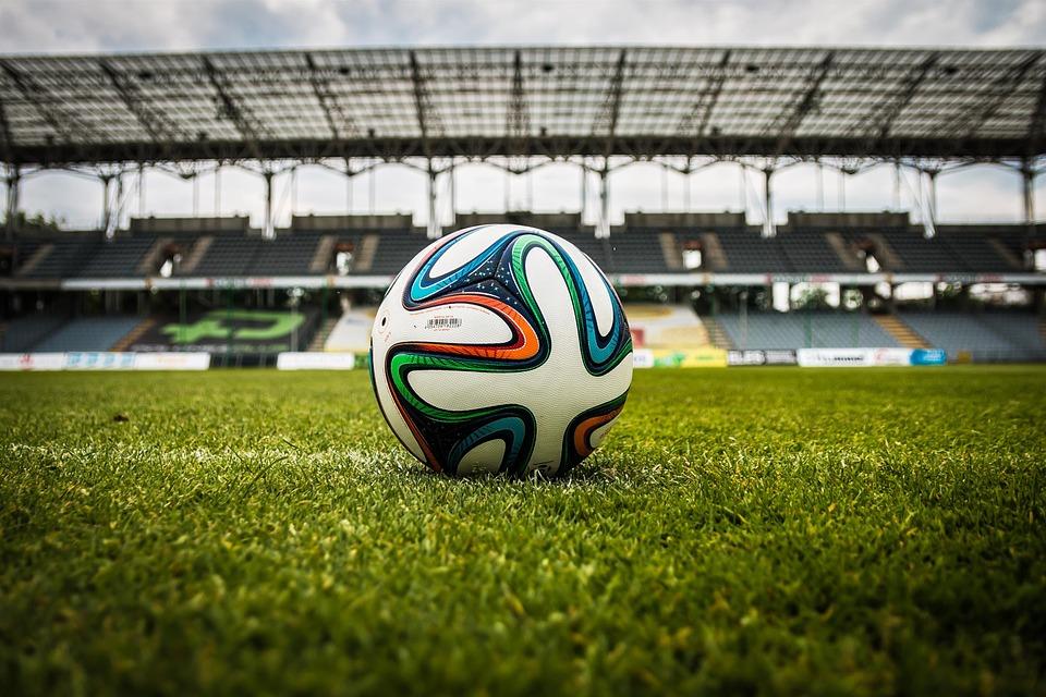 ¿Dónde y cuánto costará ver el fútbol esta temporada? Mejores tarifas internet y televisión