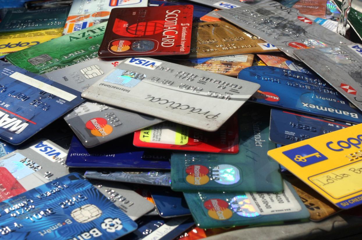 Comparativa tarjetas: Banco de Chile, BancoEstado, Santander y Bci