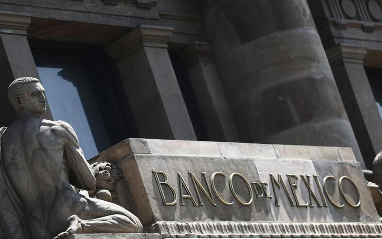 Banxico noquea (temporalmente) al dólar