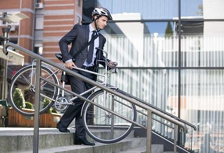 Ya puedes deducir tu bicicleta, moto o auto eléctrico