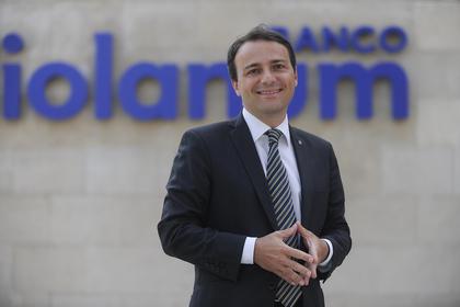 Alessio zambon responsable de marketing de banco mediolanum foro
