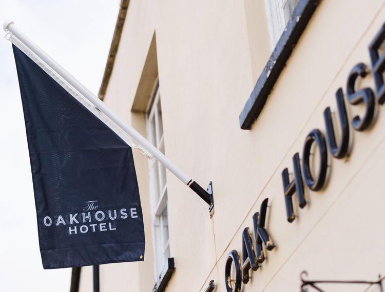 the oakhouse hotel melanie and luke 1 min