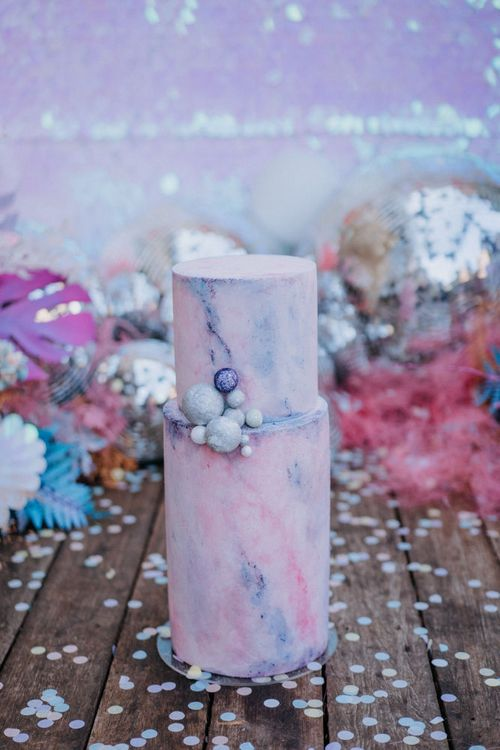 Pastel wedding cake with marble effect
