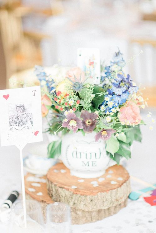Bright wildflowers for March wedding