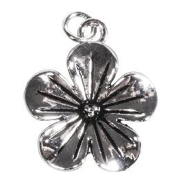 Fémfüggő virág, ezüst, 20mm, befűzőlyuk 2mm