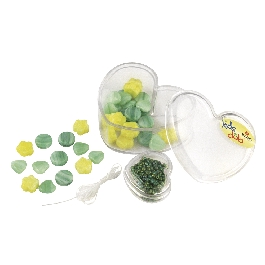 Üveggyöngyök szívdobozban, sárga és zöld árnyalatok, 36 formagy. + kásagyöngyök