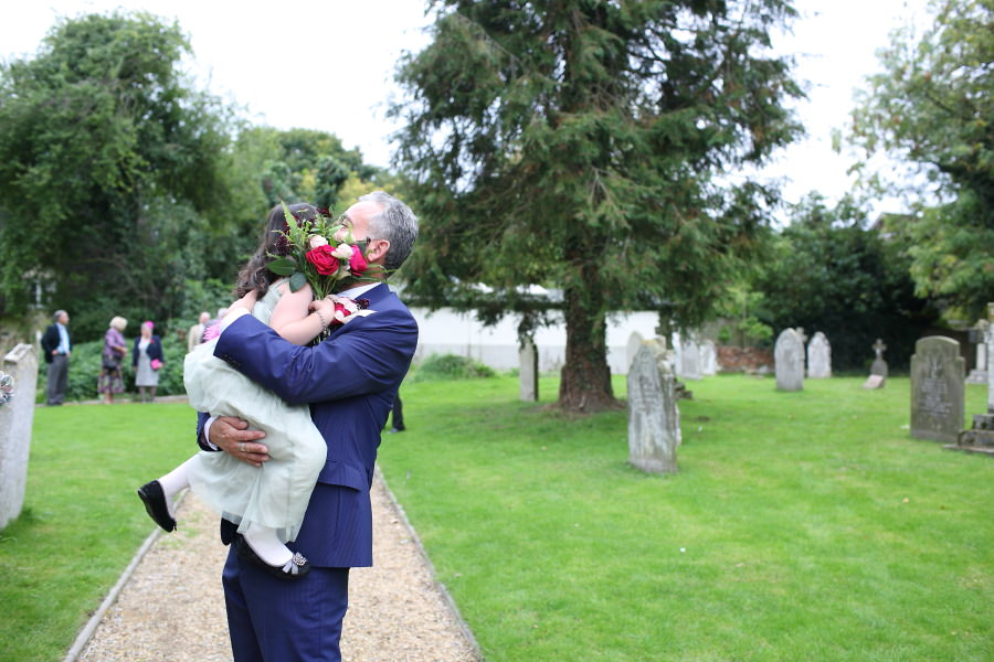 father, daughter and flowers, realxed natural wedding photography